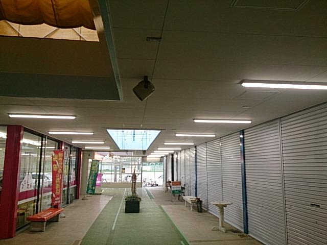 高洲第一ショッピングセンターアーケード照明器具交換工事